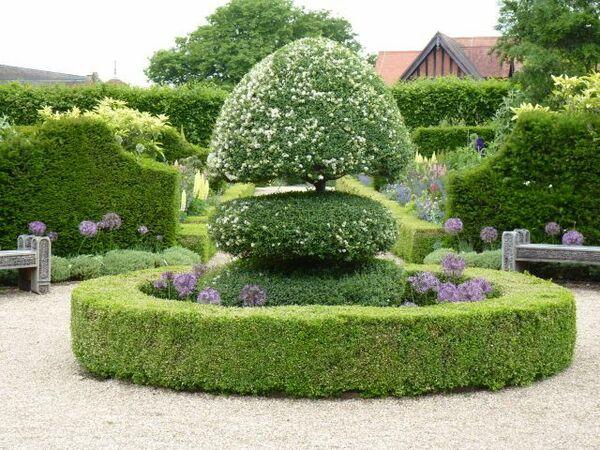 Arundel Castle Garden, Spring