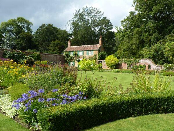 Hoveton Hall Garden, Wroxham
