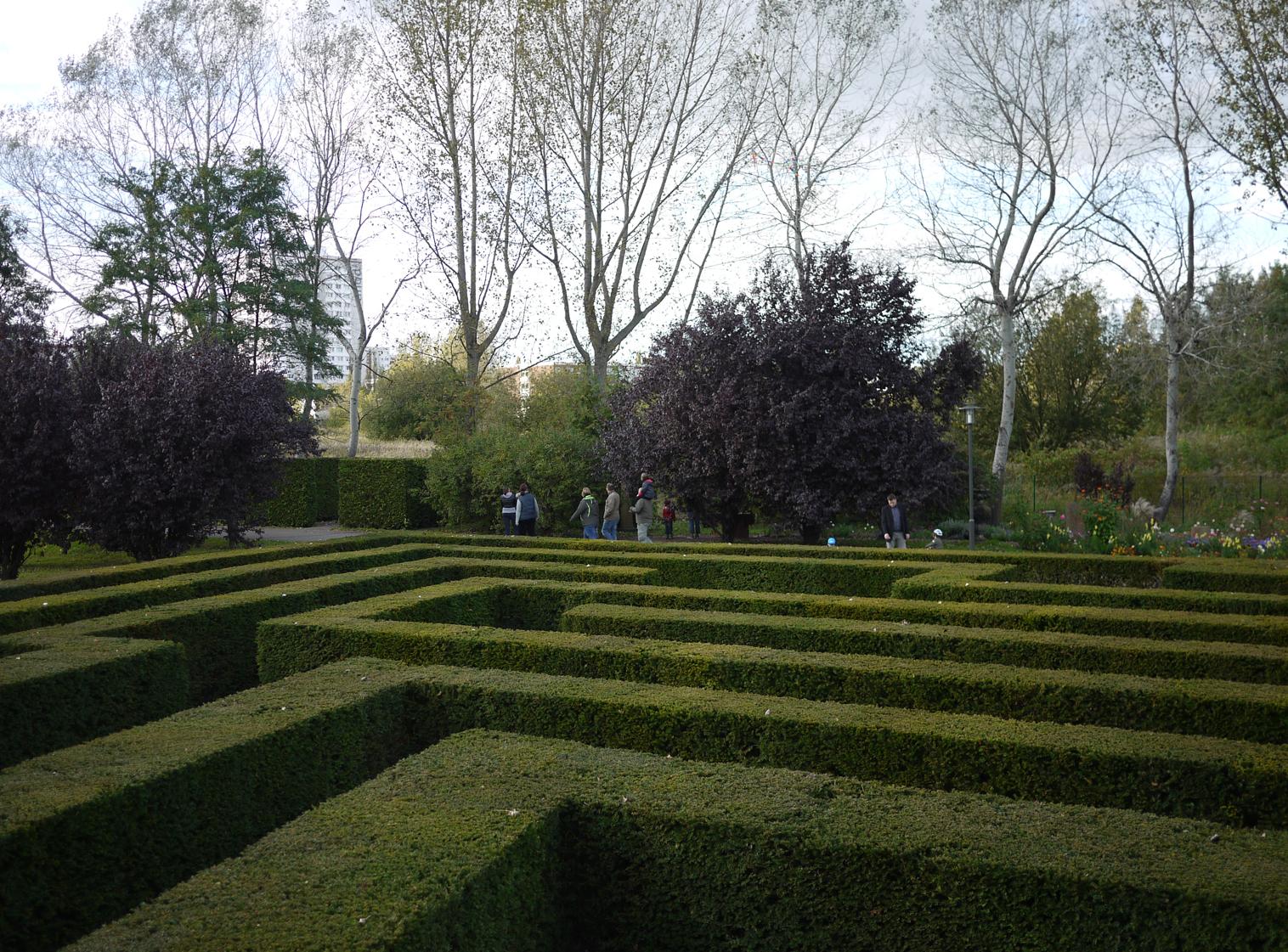 gardens of the world4 original - Gardens Of The World Berlin Cost