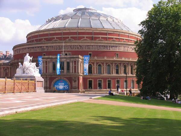 Albert Hall seen from Kensington Gardens