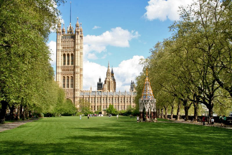 Garden Walk London: Victoria Tower Gardens