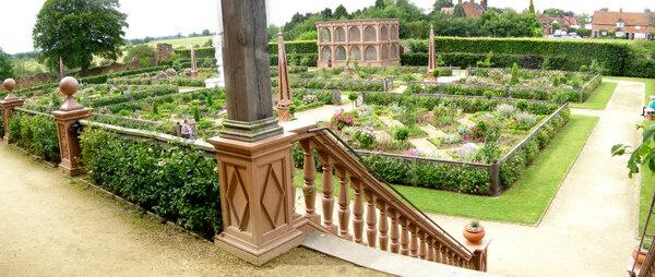 Elizabethan Garden, Kenilworth Castle Garden