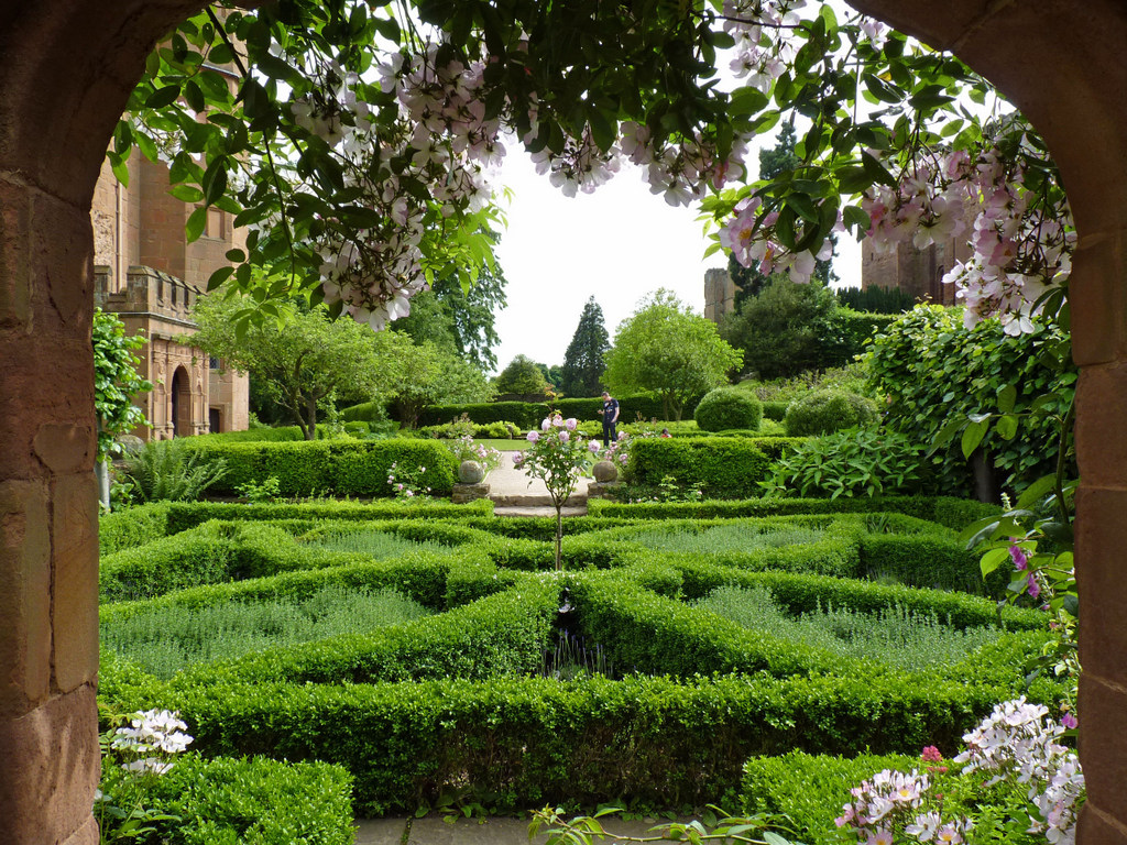 Kenilworth Castle Garden Warwickshire