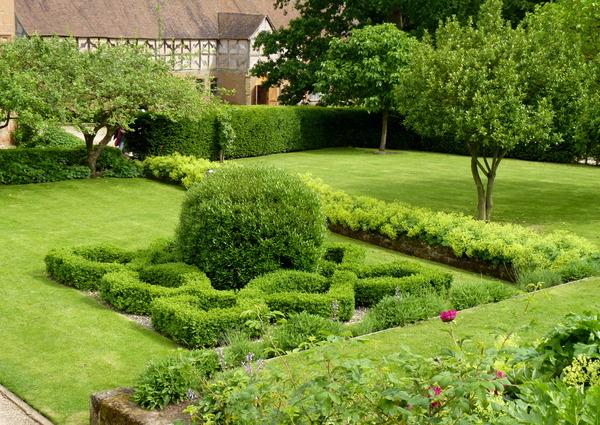 Kenilworth Castle Garden, Warwickshire