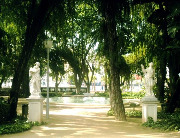 Paseo del Parque, May 2011