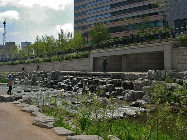 Cheonggyecheon river reclamation landscape architecture