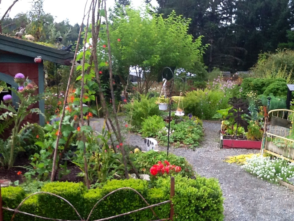The gardens at hcp horticulture centre of the pacific for Gardening tools victoria bc