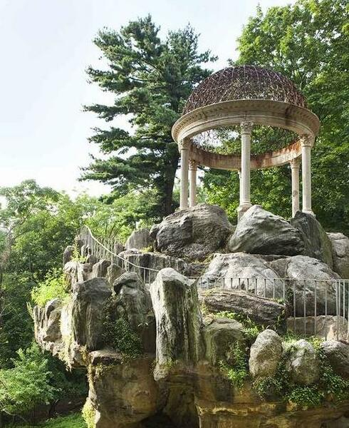 Temple of Love, Untermyer Garden