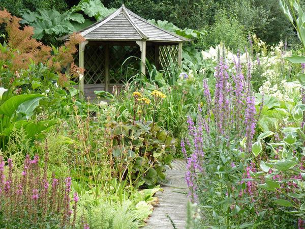 Bay Garden, Camolin