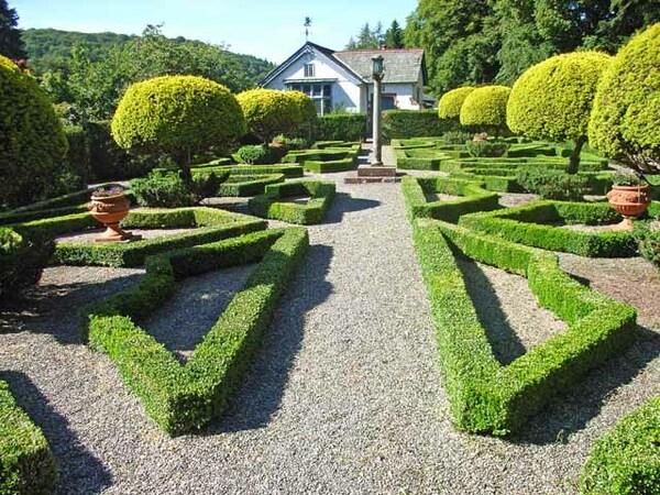 Graythwaite Hall Garden