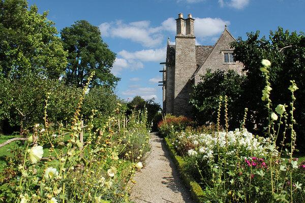 Kelmscott William Morris Garden