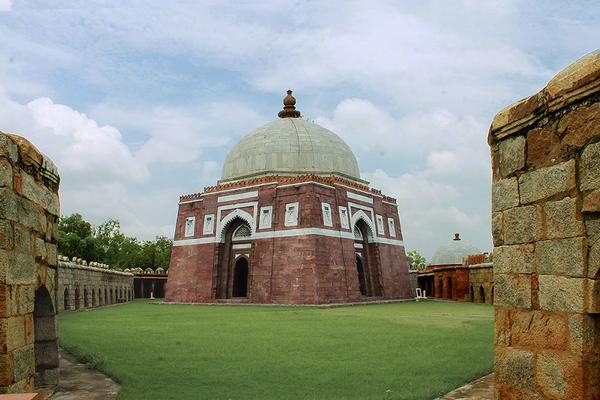 Tughlaqabad Tomb garden