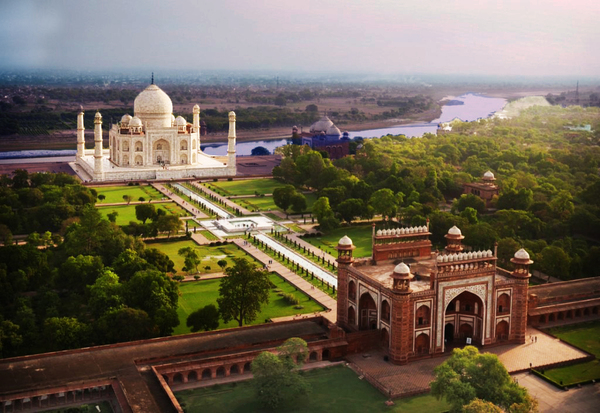 Taj Mahal Tomb aerial