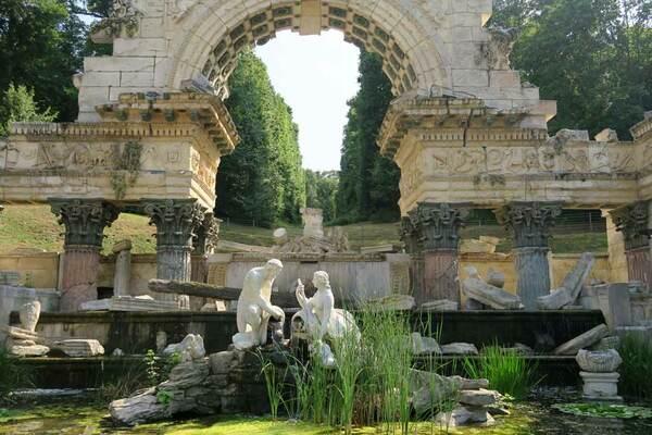 Roman Ruin, Schonbrunn