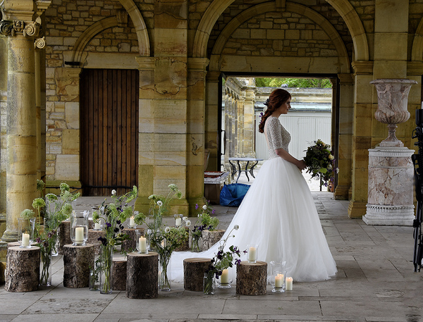 https://images-production.gardenvisit.com/uploads/images/114881/hever_castle_garden_wedding_large.jpg