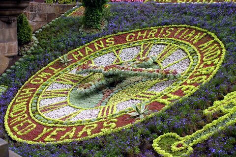 Fl Clock Princes Street Gardens Edinburgh