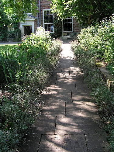 Mompesson House Garden
