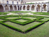 Medium abbaye royaumont cloisters original
