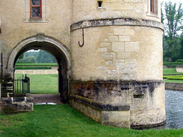 Medieval Buildings, Domaine de Villarceaux
