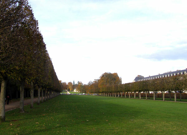 Entrance Avenue, Chateau de Rambouillet