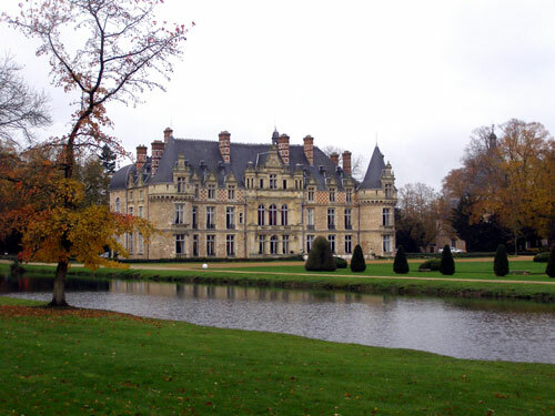 View of Chateau d'Esclimont across the Lawns