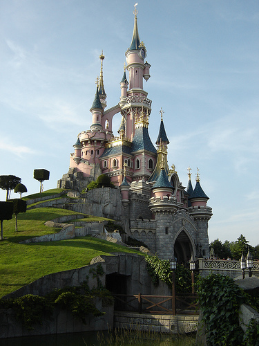Disneyland paris for Castles to stay in france