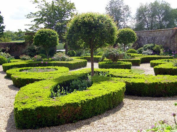 Broughton Castle Garden, Oxon