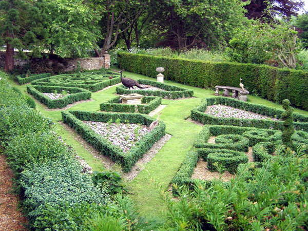 Knot Garden, Houghton Lodge