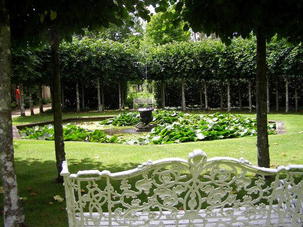 Octagonal Pond, Athelhampton House Gardens