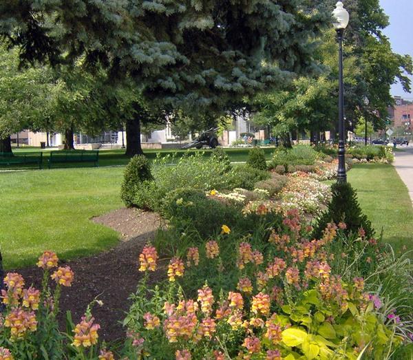 Coe Memorial Park Garden