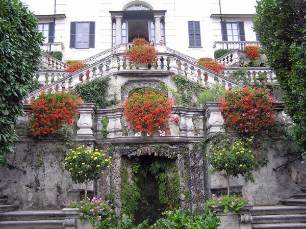 Villa Carlotta, Entrance