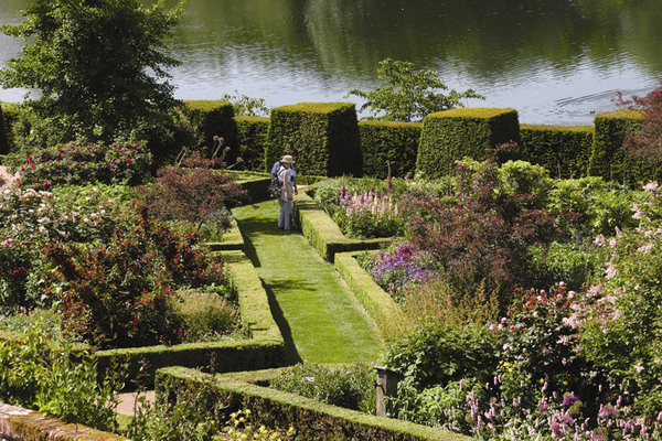 Leeds Castle and Culpeper Garden, Kent
