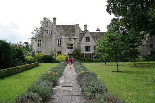 Lavender Walk, Avebury Manor Garden