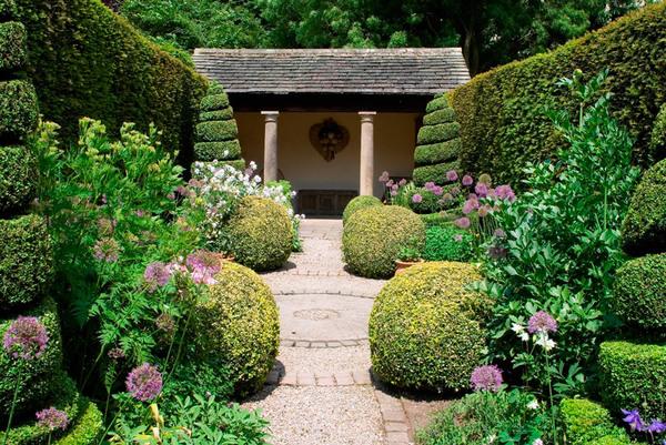 Herb Garden, York Gate Garden