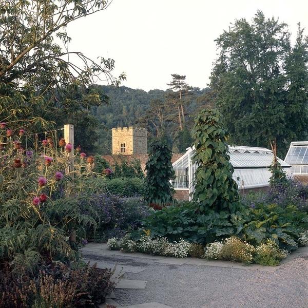 Hampton Court Garden, Herefordshire