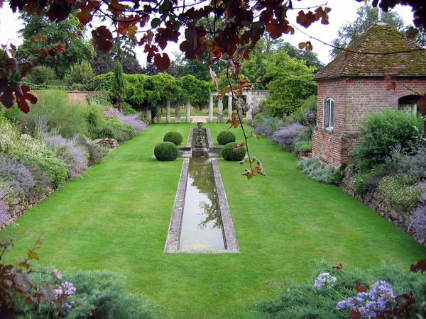 Italian Garden, Godinton House