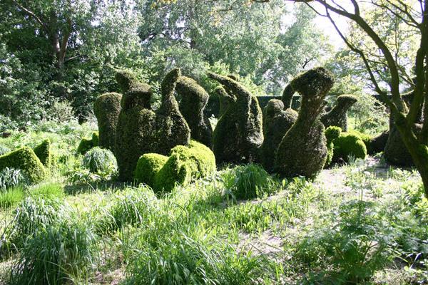 Topiary, Priona Tuinen