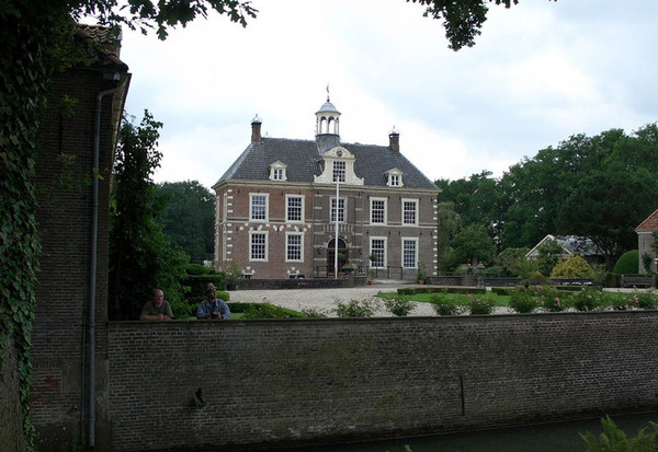 Kasteel Warmelo, Holland