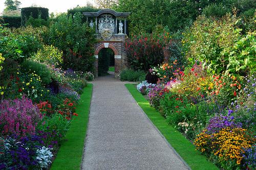 Nymans garden for Garden house design west sussex