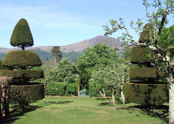 Plas Brondanw Gardens, Wales