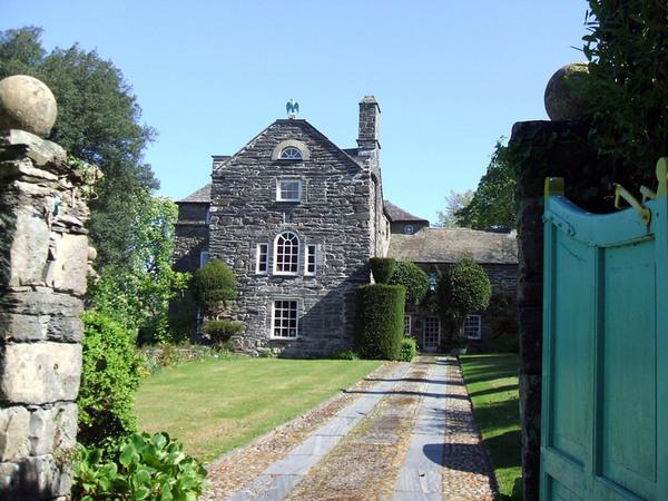 Plas Brondanw Gardens, Gwynedd