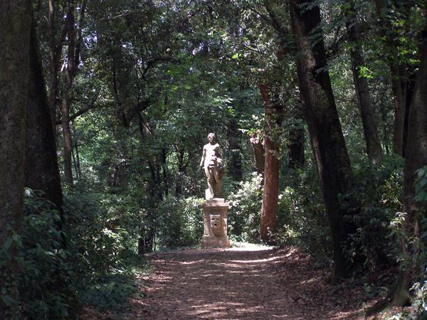 Statue, Villa Torrigiani Garden