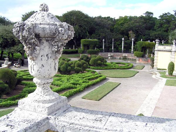 Vizcaya Gardens, Florida