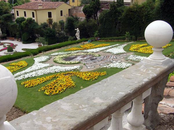 Villa Garzoni, Italy