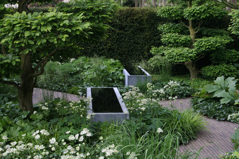 The Laurent-Perrier Garden, designed by Tom Stuart-Smith