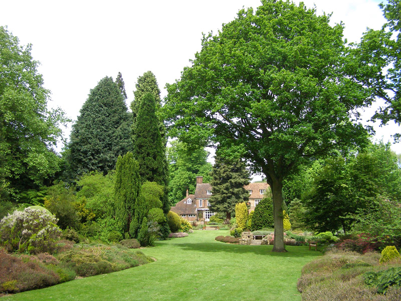 Great Comp Gardens