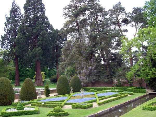 Groombridge Place Gardens, Tunbridge Wells