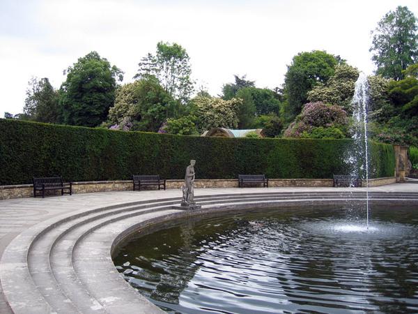 Half-Moon Pond, Hever Castle Garden