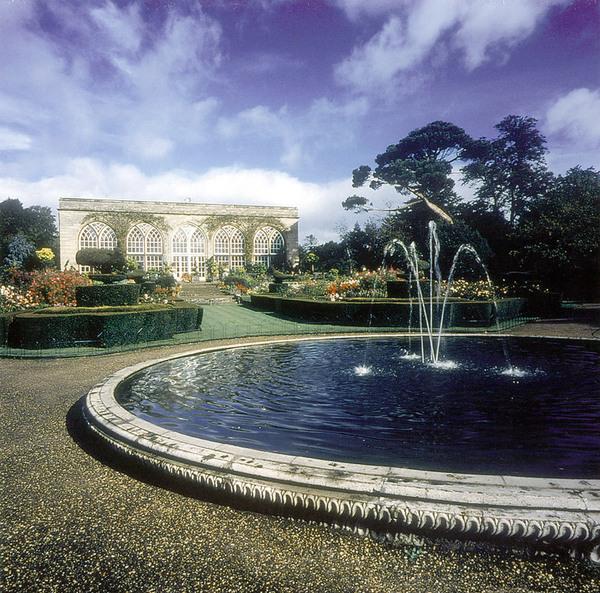 Warwick Castle Garden