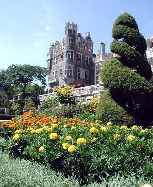 Topiary, Casa Loma Gardens